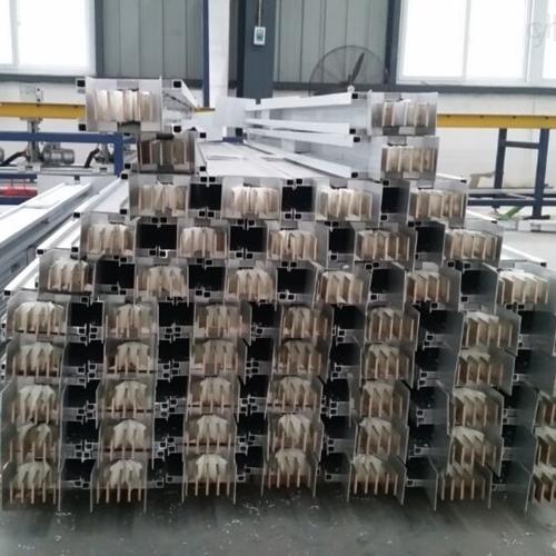 铜铝复合母线槽安装要求