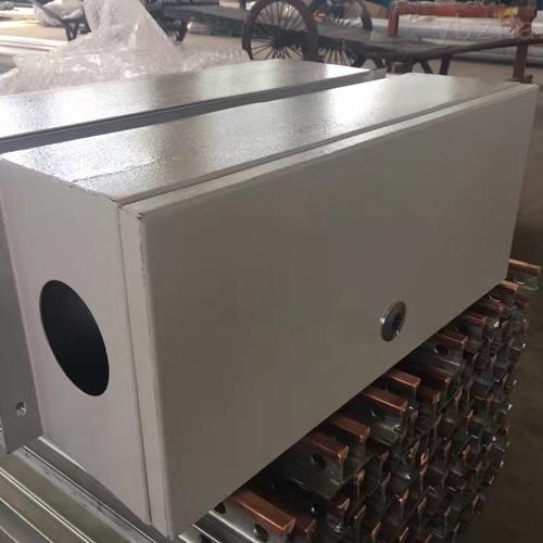 母线插接箱装置