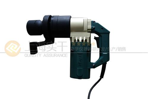 紧固螺栓的电动工具图片
