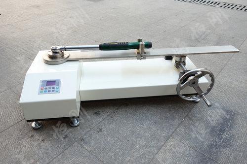SGNJD型号的扭矩扳子检定仪
